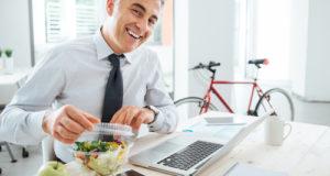 Tippek, hogy egészséges maradj az otthonról való dolgozás során